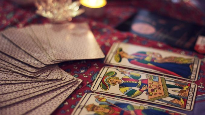 tarot card reading love life